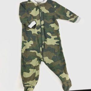 """""""Camouflage"""" sleeper"""